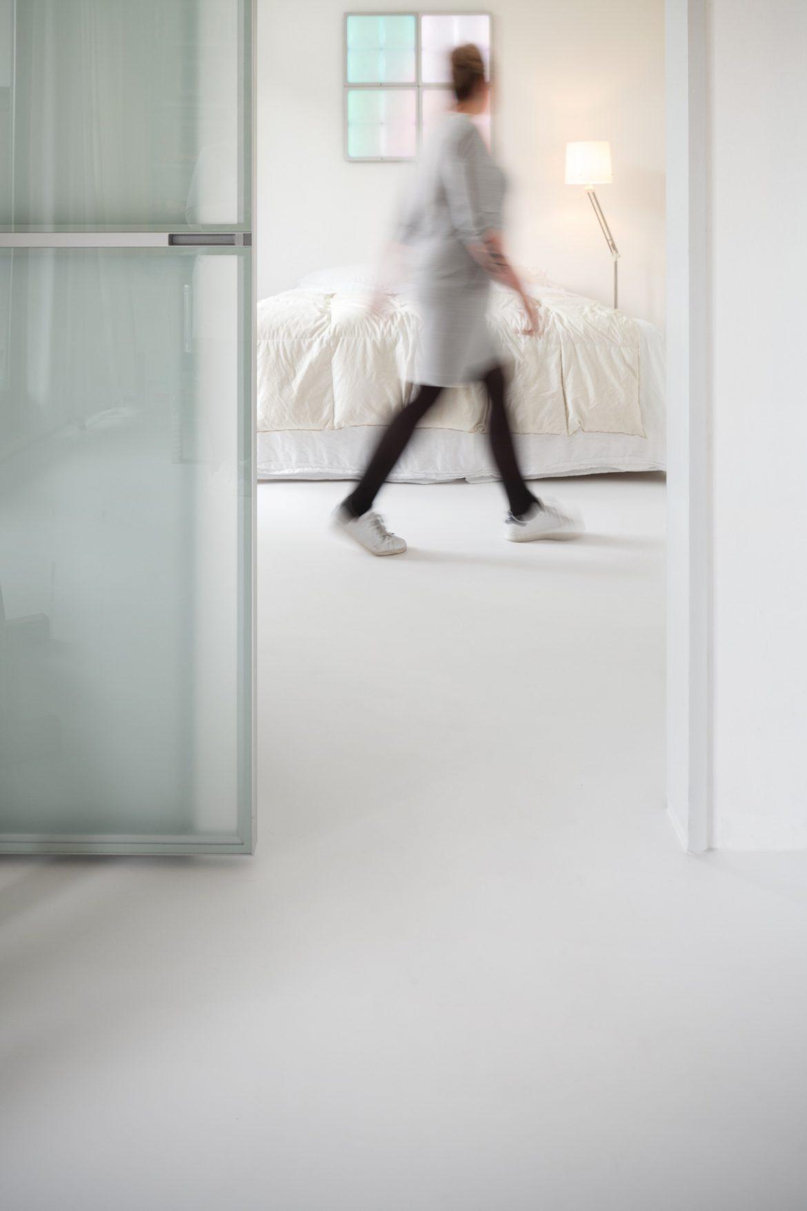 Witte gietvloer slaapkamer Rotterdam